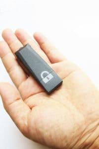 PENDRIVE PINCHO MEMORIA USB GRABADORA DE AUDIO PROFESIONAL 192KBPS HASTA 128GB